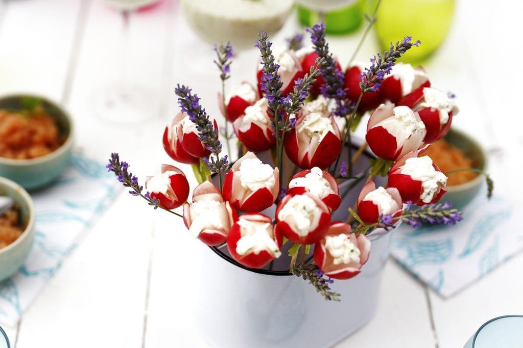 Fleurs de radis au fromage frais