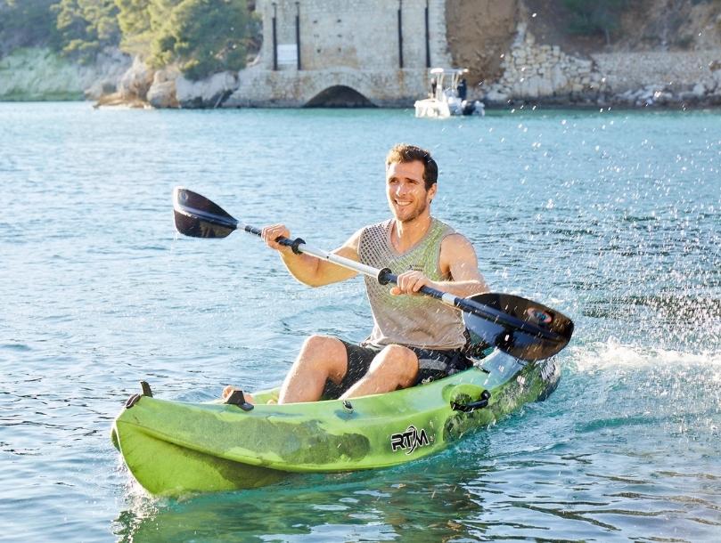 homme activité canoe lac