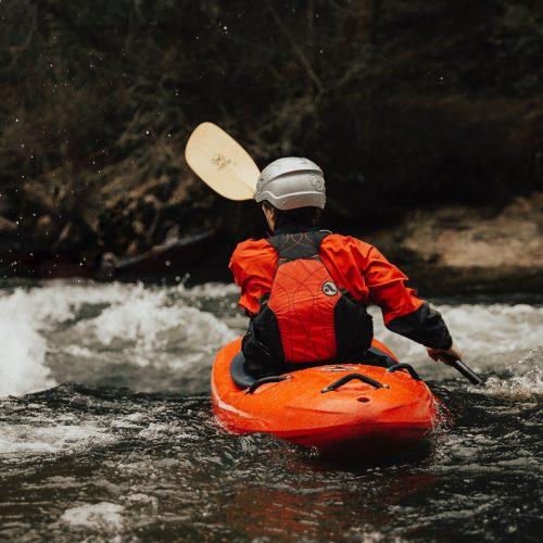 Descente de kayak en rivière